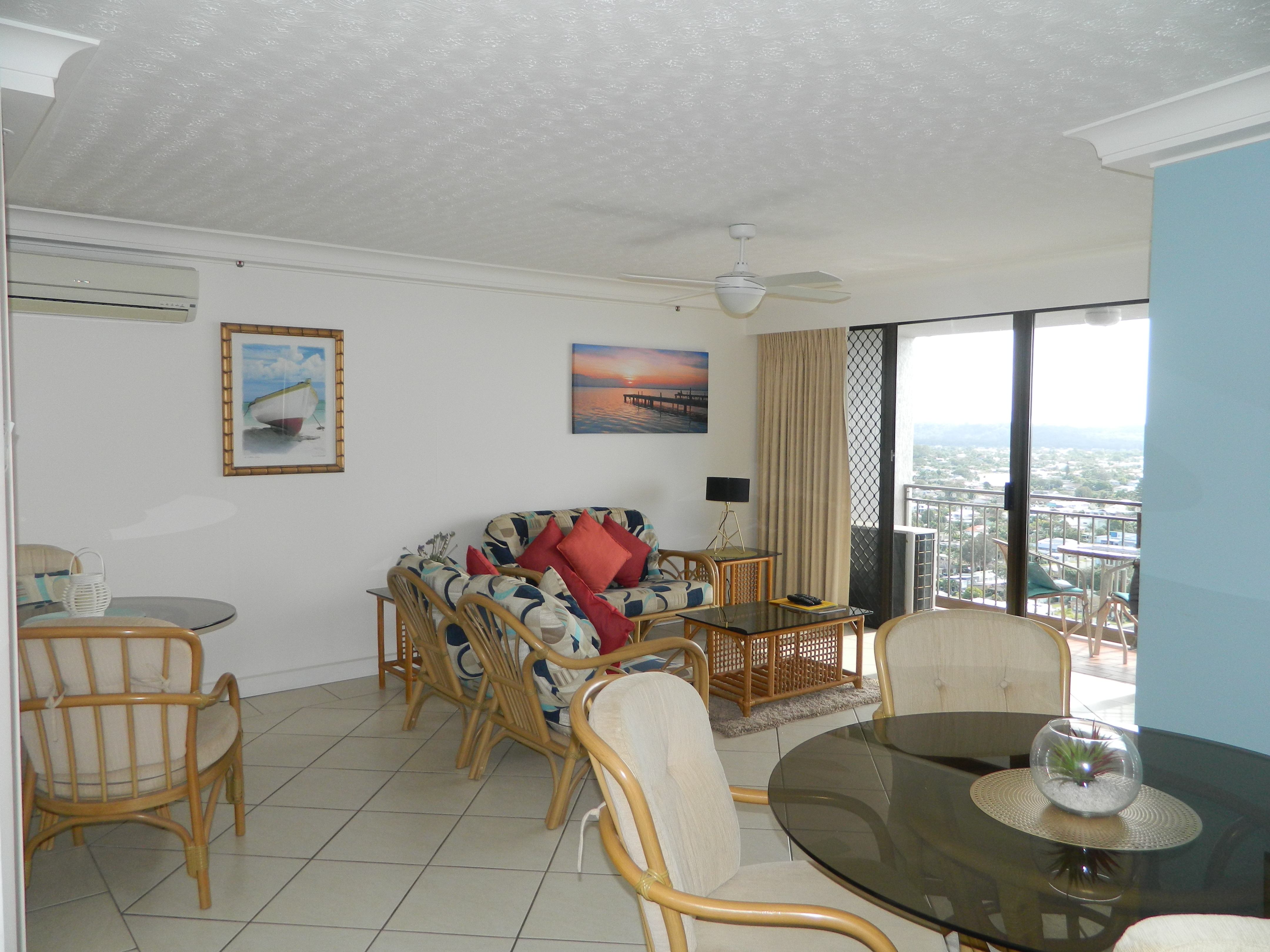Royal Palm Resort Accommodation Dining and Lounge Room