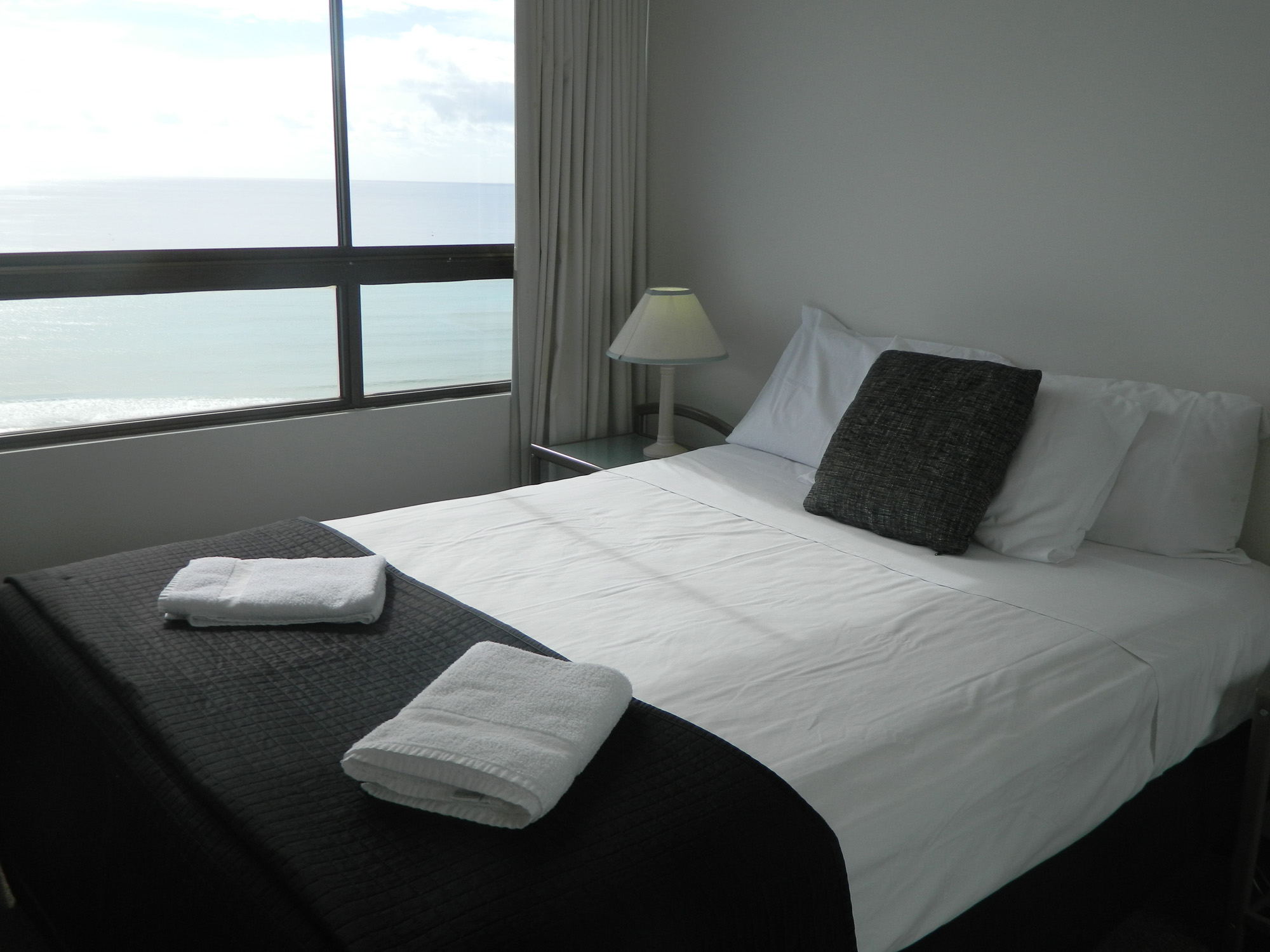 Royal Palm Resort Palm Beach Accommodation Bedroom