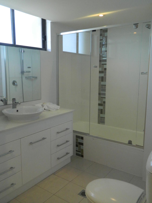 Royal Palm Resort Palm Beach Accommodation Bathroom