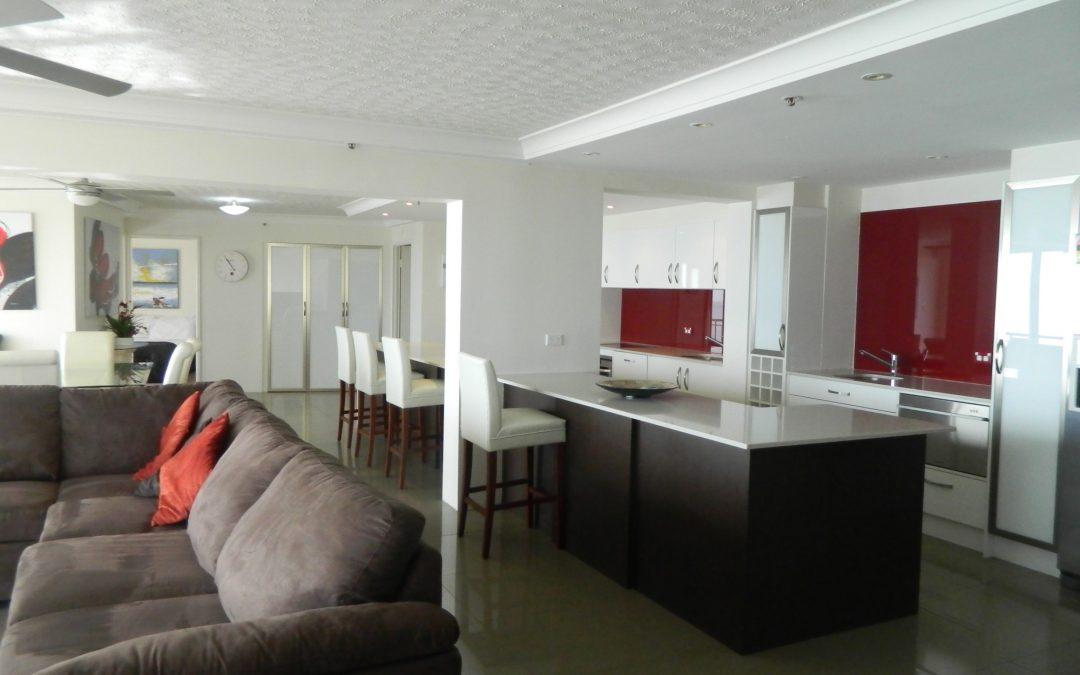 Royal Palm Resort Lounge Room Kitchen